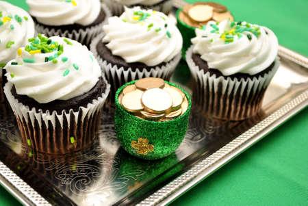 st  patty's: Tray of Irish Cupcakes