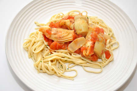 Linguini With Gourmet Artichoke and Tomatoes