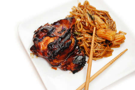 lo mein: Chinese Vegetables and Noodles with Barbequed Chicken