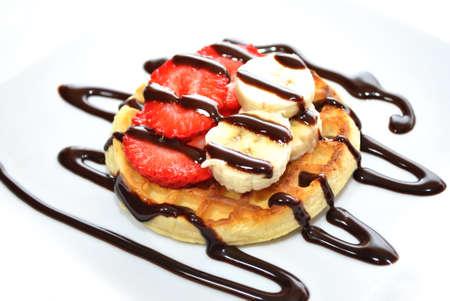 Dessert Waffle with Fresh Strawberry and Banana 版權商用圖片