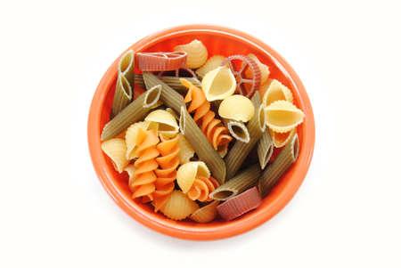 Non cuits Fancy Pâtes Formes dans un bol Banque d'images - 33399672