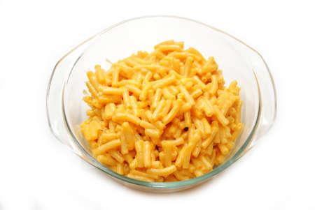 Clear Glass Bowl avec une portion de Mac & Cheese Banque d'images - 35475078