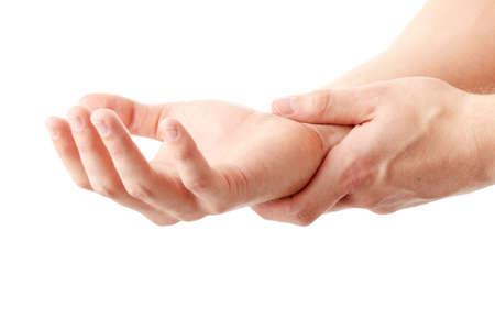 dolor de pecho: Hombre sosteniendo su mano - concepto de dolor