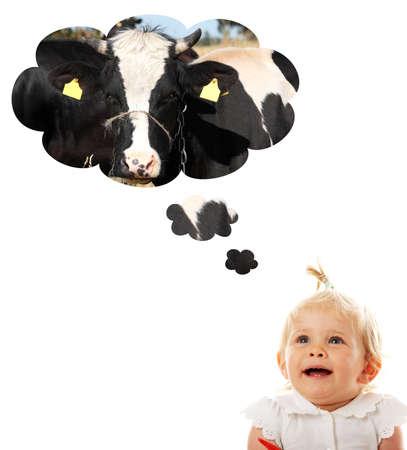 chica pensando: Rubio cauc�sicos ni�a pensando en vaca (leche)