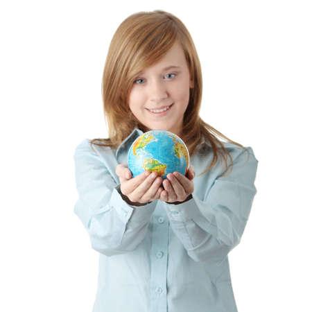holding globe: Giovane ragazza teen azienda globo, isolato su sfondo bianco  Archivio Fotografico