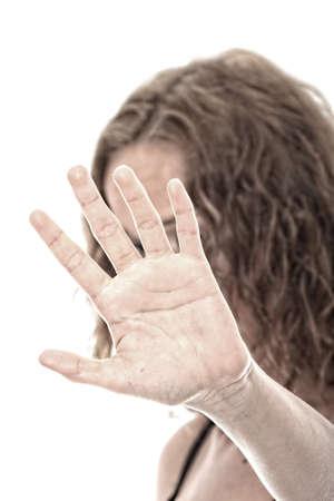 violencia intrafamiliar: Retrato dram�tico maltratados joven Foto de archivo