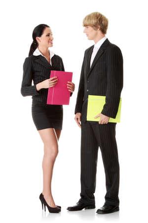 talking: Coll�ges de jeunes entreprises portant costume business isol� sur fond blanc  Banque d'images