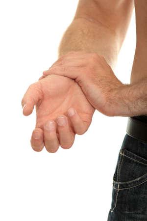 douleur main: Homme tenant de sa main - concept de douleur