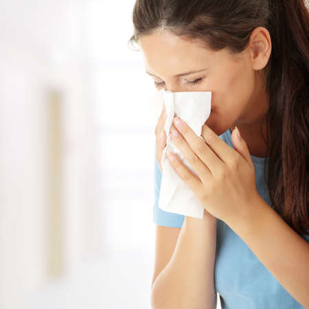 asthme: Femme de l'adolescence avec une allergie ou froid Banque d'images
