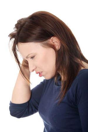 agotado: Mujer con dolor de cabeza su mano en la cabeza.  Foto de archivo