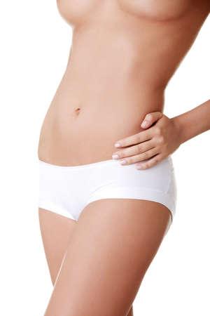 panties: Hermoso cuerpo femenino aislados en blanco. Sexy joven en bragas blancas
