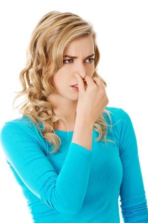鼻の詰まり、女性の肖像画。