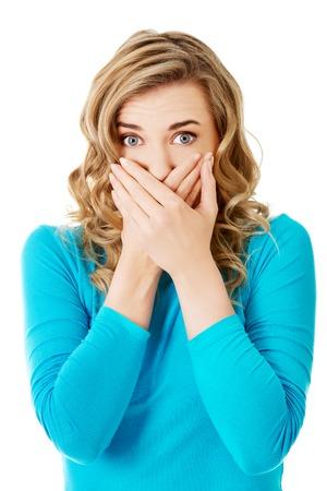 Portret van een vrouw die haar mond.