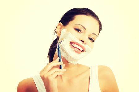 행복 한 여자 면도 수염의 초상화.