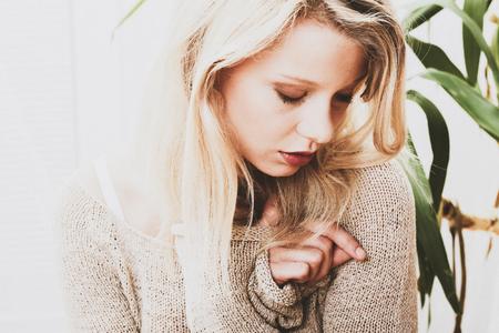 Lovely blond woman Standard-Bild - 126969366