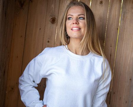 Smiling woman in blouse 版權商用圖片