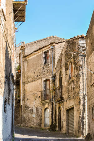 tumble down: Old ruined houses in a small village in Sicily Stock Photo