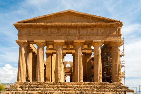 valley of the temples: Facade of the temple of Concordia, in the valley of Temples of Agrigento