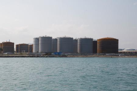 industrial park: Parco industriale con una vista unica del mare Archivio Fotografico