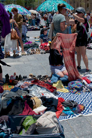 Brisbane, Queensland, Australia - 15th December 2019 : Typical suitcase rummage market held in the city of Brisbane in Australia Archivio Fotografico - 142235441