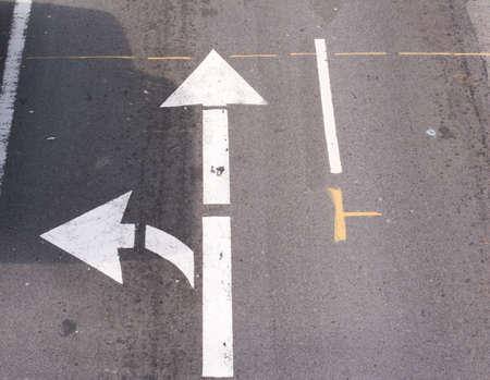 turn left: Svoltare a sinistra