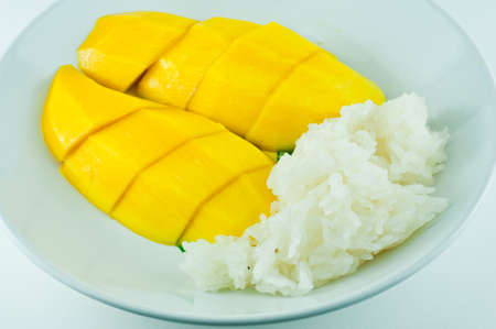 Thai sticky rice eat with mangoes, thai style tropical dessert Stock Photo - 9152781