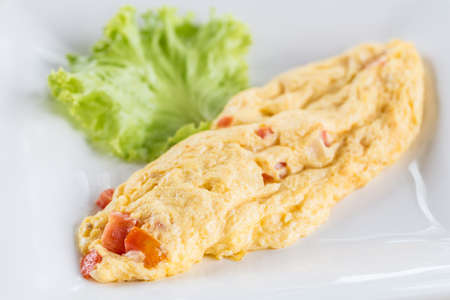 scrambled eggs: Omelet with vegetable salad