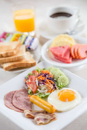 Delicious breakfast with eggs bacon, orange juice and coffee  Standard-Bild
