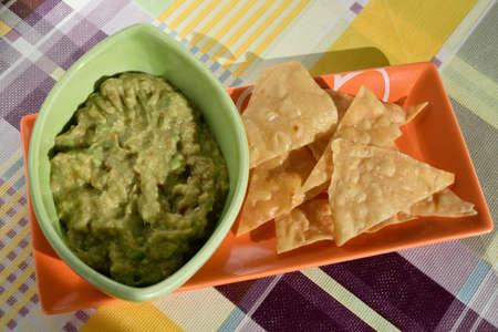guacamole: Nachos With Guacamole