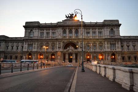 italian architecture: Italian architecture Editorial