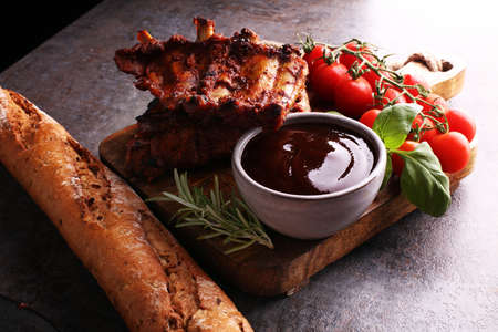 Spicy hot grilled spare ribs from a summer BBQ Banque d'images