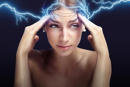 vrouw met een hoofd pijn Stockfoto