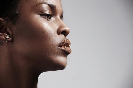 vrouwen profiel met een suiker lippen