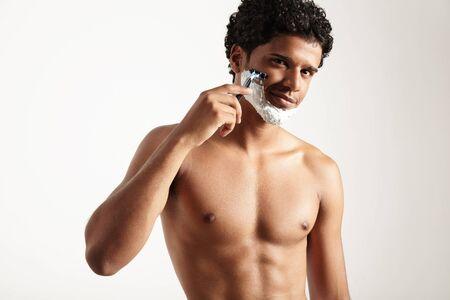 Latin-Mann rasiert