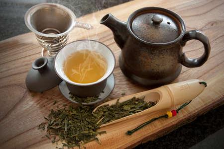 一杯の緑茶とアクセサリー 写真素材