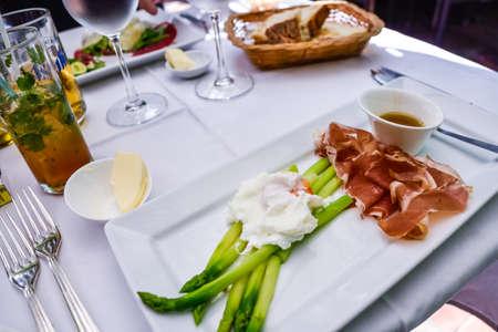 asperge et jambon de parme,french food.