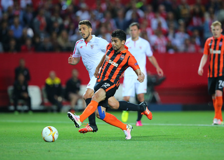 scores: SEVILLA, SPAIN - MAY 5: Eduardo scores a goal during the UEFA Europa League second leg semi-finals match between FC Shakhtar Donetsk vs Sevilla FC, 5 May 2016, Ramon Sanchez Pizjuan, Spain