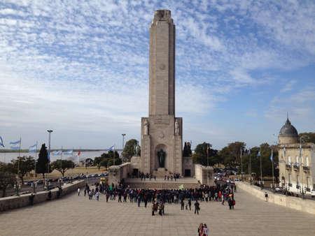 国旗記念碑ロザリオ、アルゼンチン。 写真素材 - 21953219
