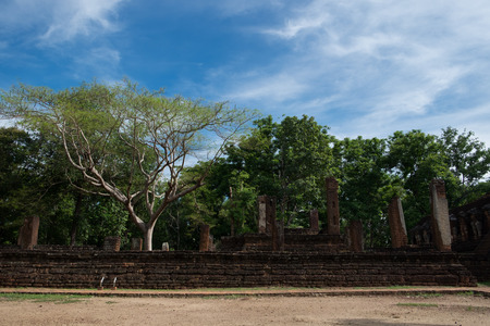chang: Wat Singha Historical Park in Kamphaeng Phet, Thailand (a part of the UNESCO World Heritage Site Historic Town of Sukhothai and Associated Historic Towns)