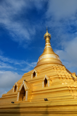 monasteri: Wat Phra Boromma Che Nakhon Chum Kamphaeng Phet, Thailandia