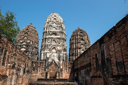 si: Pagoda at Wat Si Sawai, Sukhothai Historical Park, Sukhothai Thailand