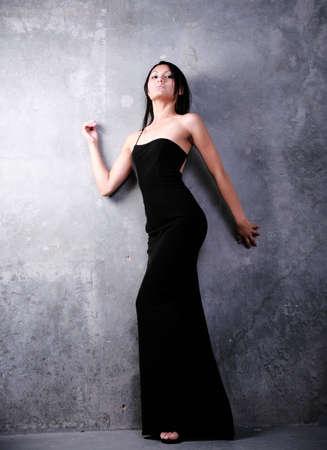アジアの女性の正式なファッション