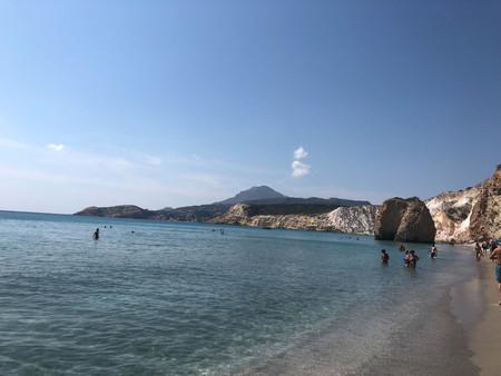 Tourists at Fyriplaka beach, Milos, Greece Редакционное