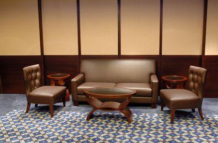brown leather sofa: Set di divano in pelle marrone