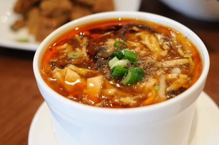 Style chinois Soupe aigre et piquant