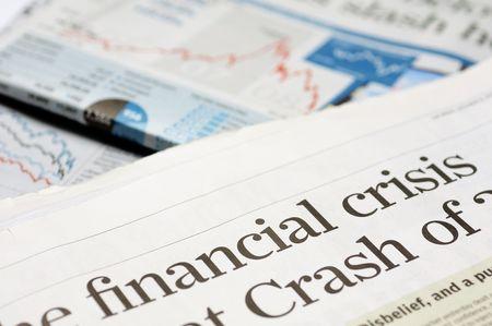 crisis economica: Los titulares de los peri�dicos - la crisis financiera en 2008 Foto de archivo