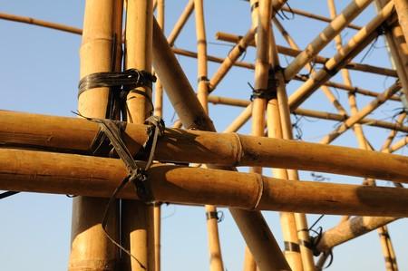 andamios: Construcci�n de andamios de bamb�, que se utiliza con frecuencia en Asia