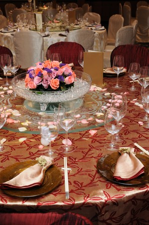 Table setting in a chinese wedding reception photo