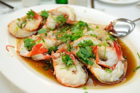 Chinese cuisine - Steamed shrimp with garlic and soy sauce