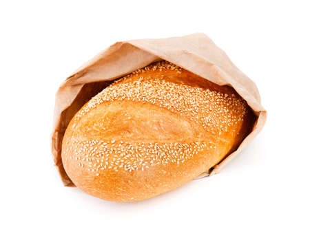 bolsa de pan: White bread in the bag isolated on white background